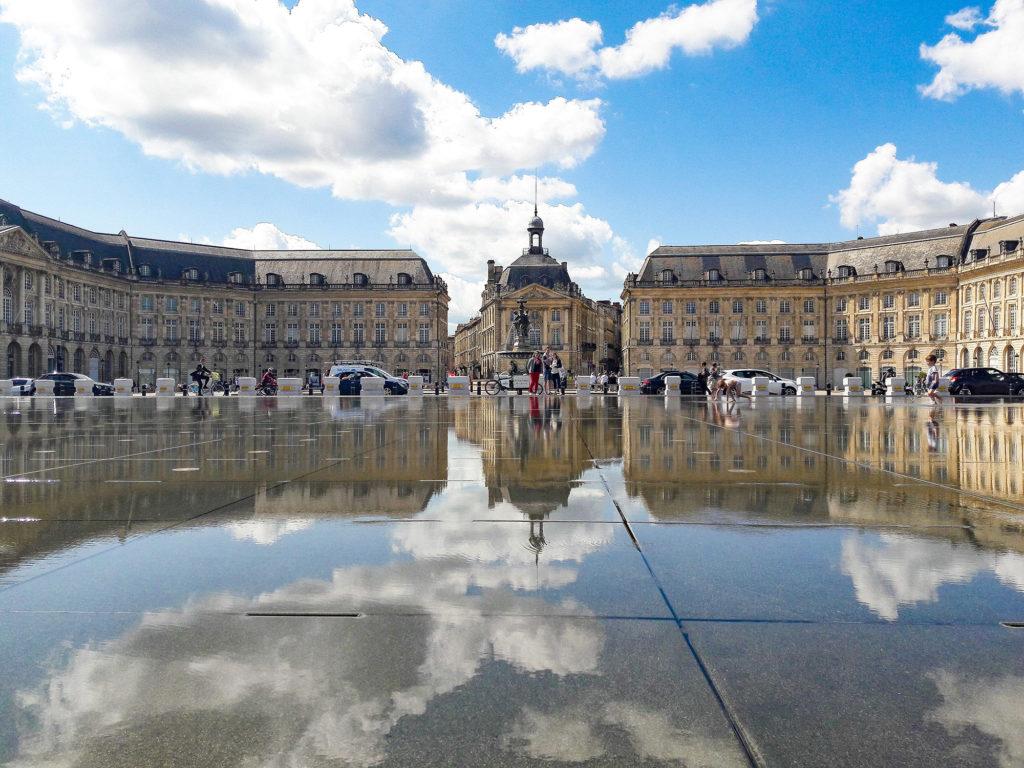 Le miroir deau à Bordeaux en septembre